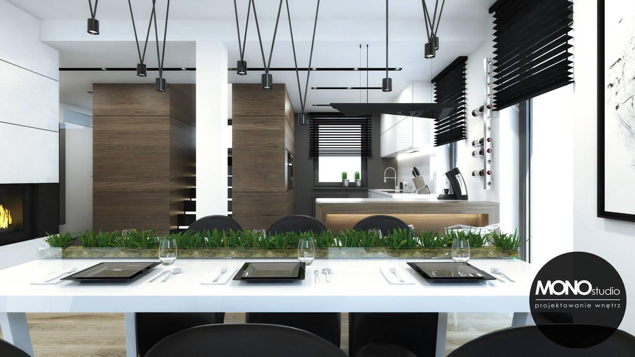 MONOstudio Sala da pranzo moderna