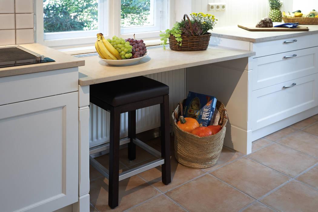 Abgesenkte arbeitsfläche unter dem fenster: küche von küchen quelle ...