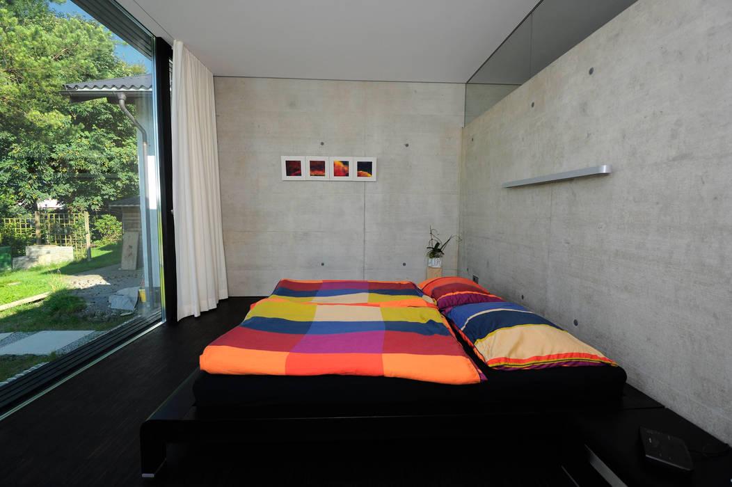 schroetter-lenzi Architekten Modern style bedroom