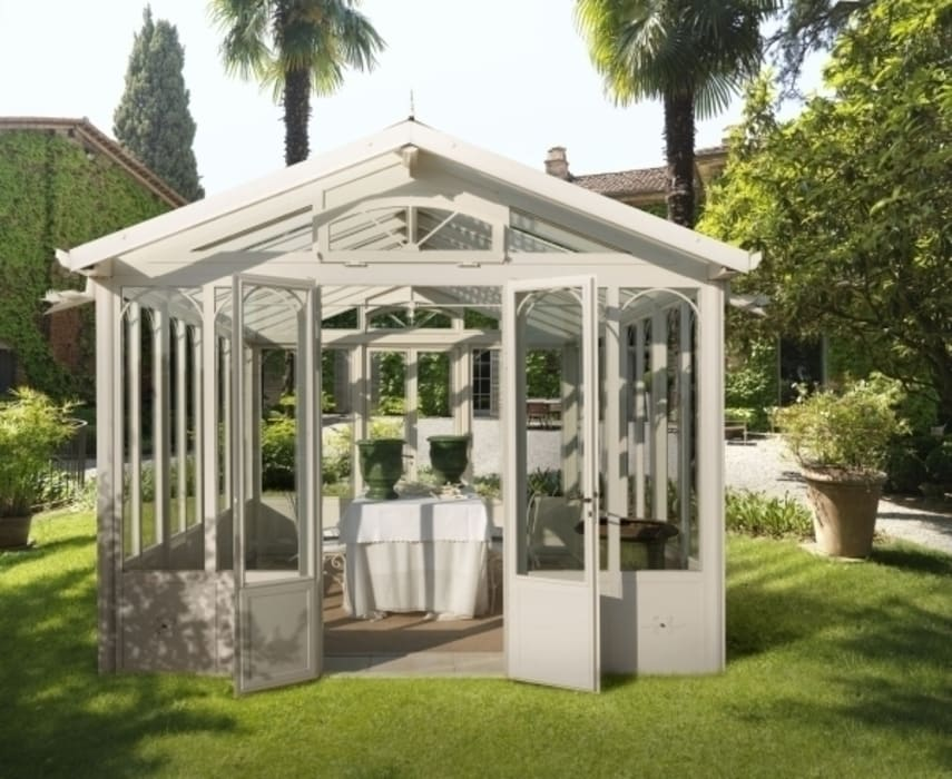 homify Classic style conservatory