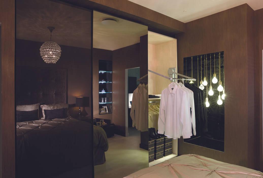 Ultra gloss chocolate bedroom suite Chambre moderne par Urban Myth Moderne