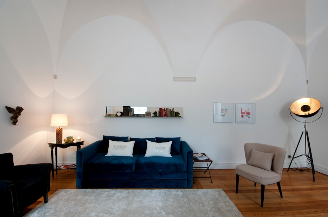 sala: Salas de estar  por Home Staging Factory,