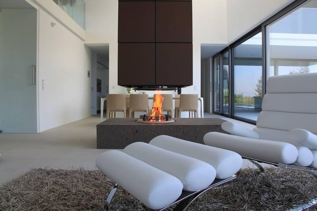 Salas de estar minimalistas por ofenmanufaktur. meisterbetrieb Minimalista