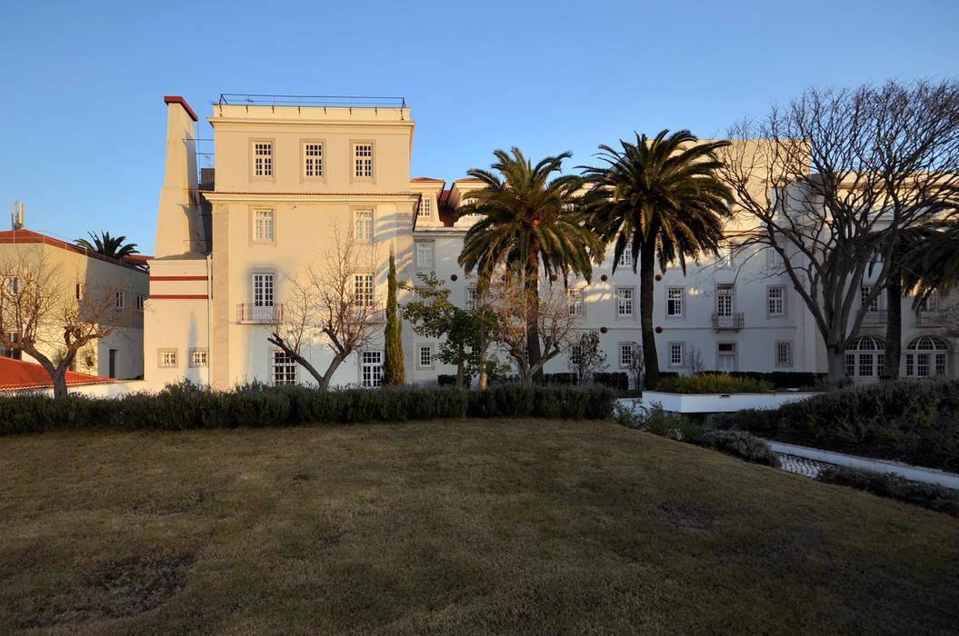 Fachada Casas clássicas por Staging Factory Clássico