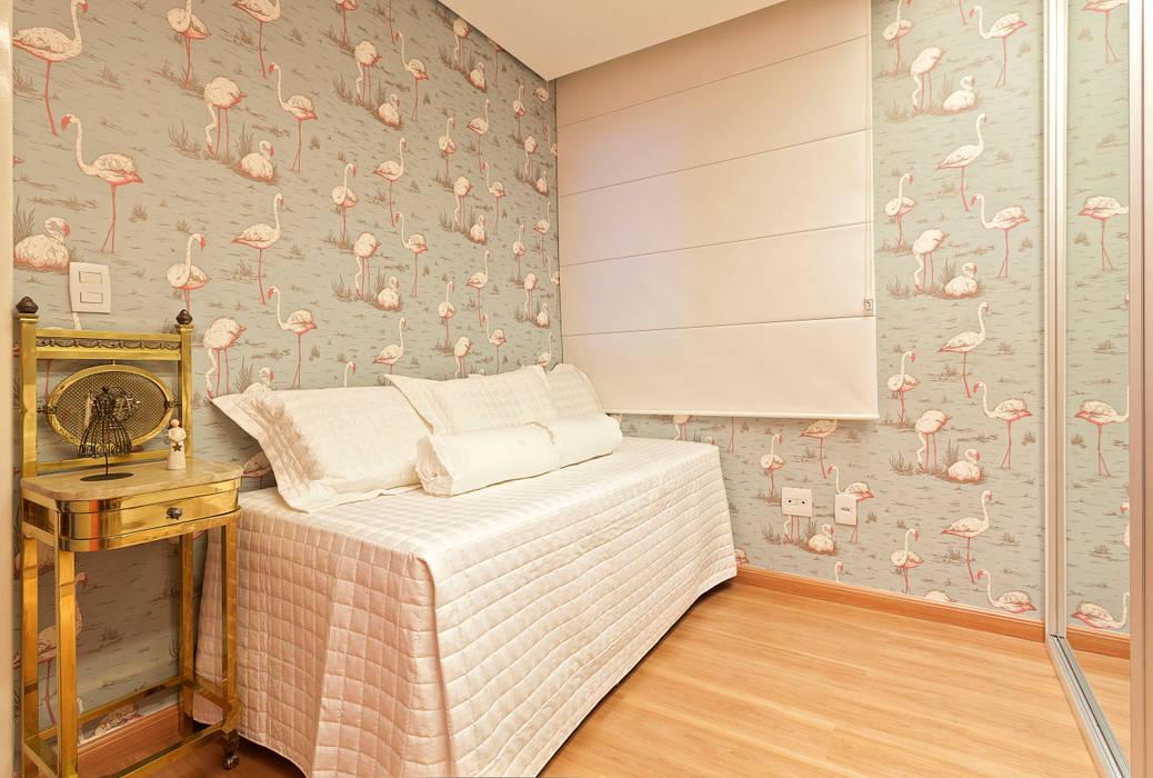 Chambre de style  par Amis Arquitetura e Decoração, Éclectique
