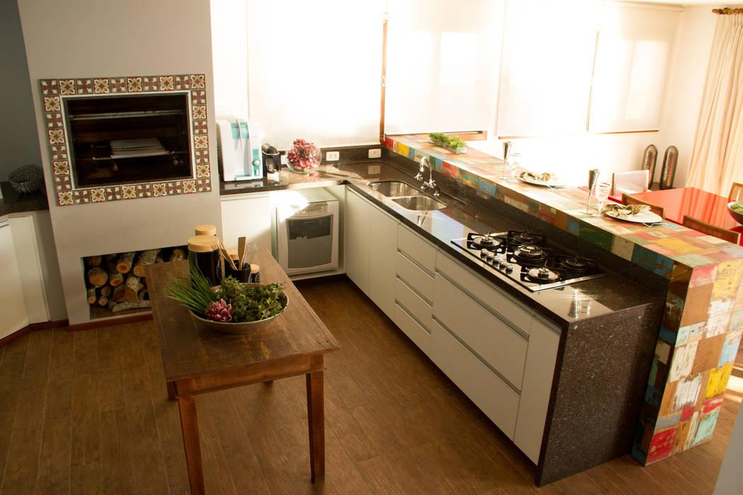 Rustic style kitchen by Espaço do Traço arquitetura Rustic