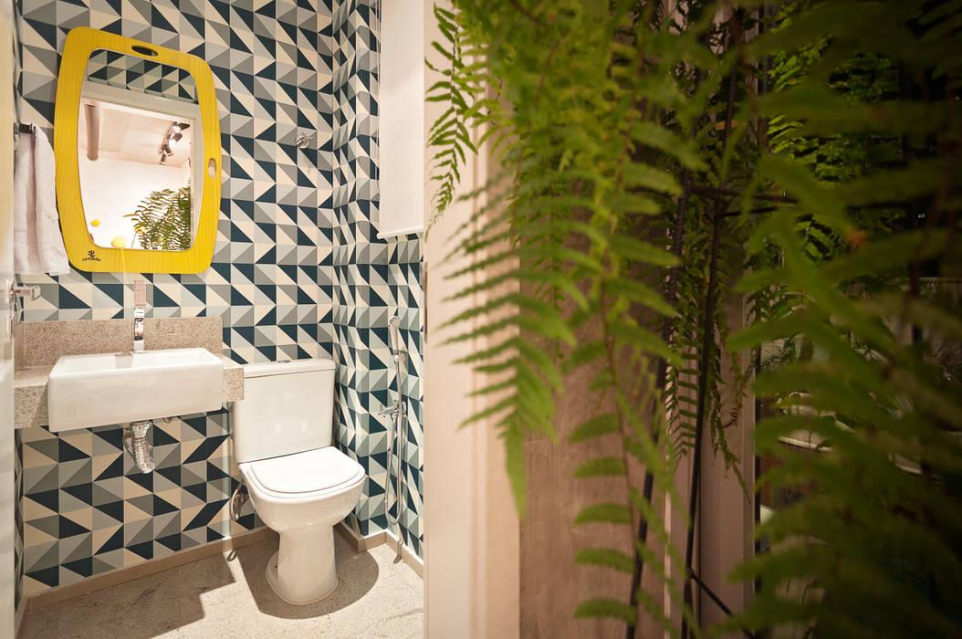 ห้องน้ำ โดย Amis Arquitetura e Decoração, ผสมผสาน