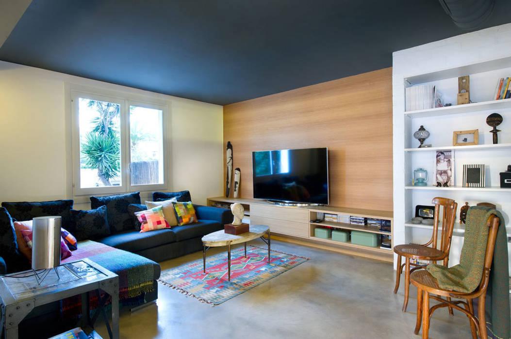 Salas de estar modernas por Egue y Seta Moderno