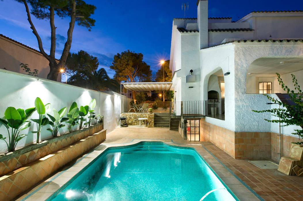 Modern Pool by Egue y Seta Modern