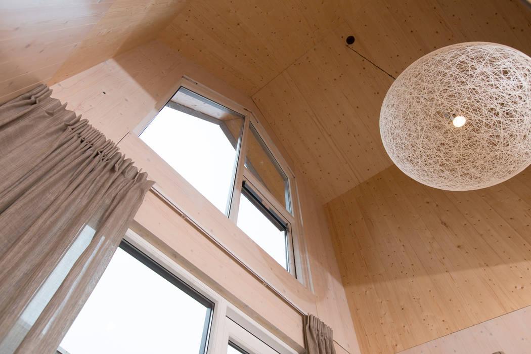 MoodBuilders Minimal style window and door