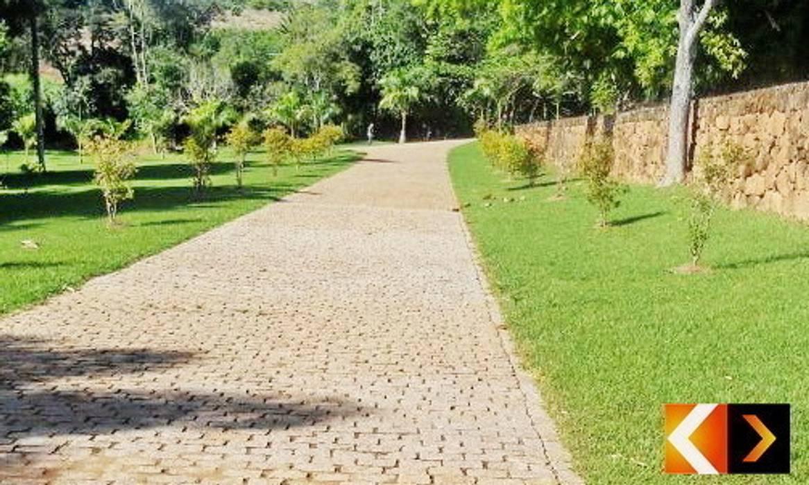 Paralelepípedo Estância Pedras Jardins rústicos por Estância Pedras Rústico