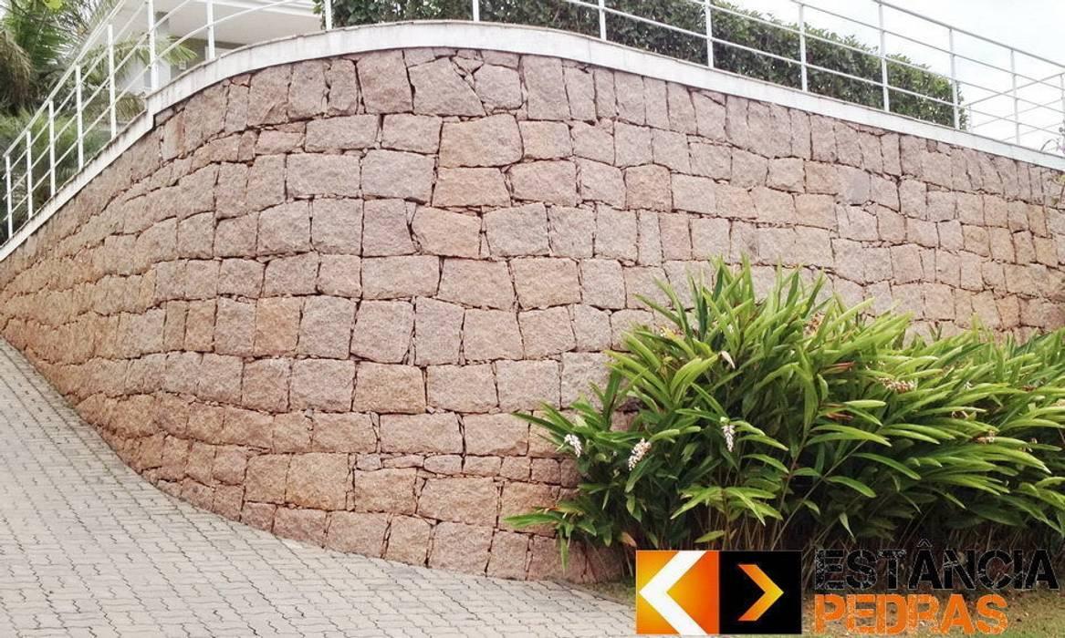 Rustic style walls & floors by Estância Pedras Rustic