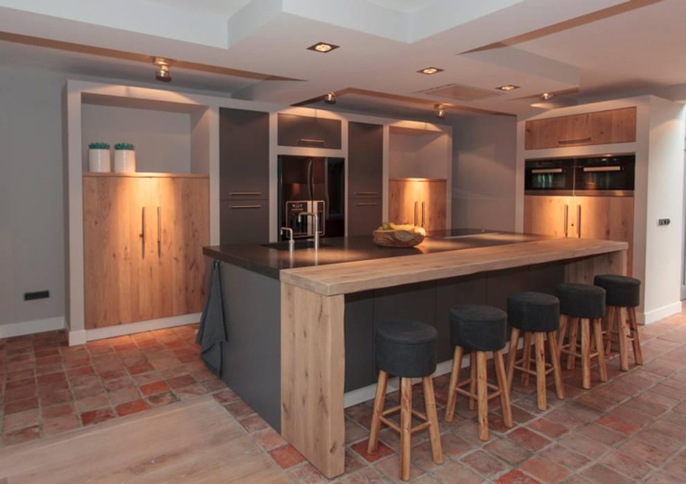 Combinatie Moderne keukens van Thijs van de Wouw keuken- en interieurbouw Modern
