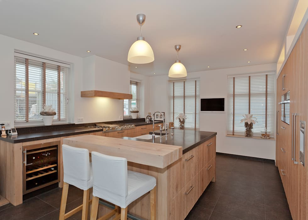 Eiken royaal comfort :  Kinderkamer door Thijs van de Wouw keuken- en interieurbouw