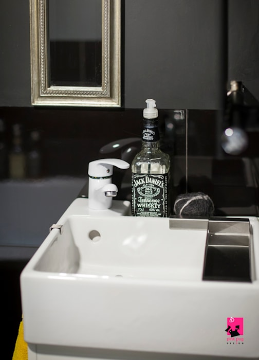 Eclectic style bathroom by Pink Pug Design Interior Eclectic