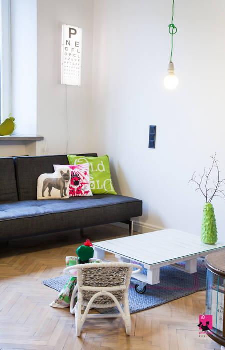 Salon z aneksem kuchennym Eklektyczny salon od Pink Pug Design Interior Eklektyczny