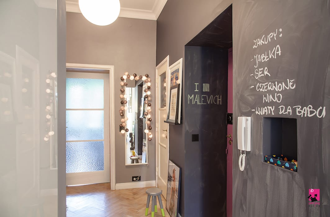 Pink Pug Design Interior Eclectic style corridor, hallway & stairs