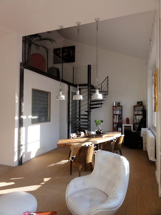 La salle à manger: Salle à manger de style de style Moderne par CAP-D