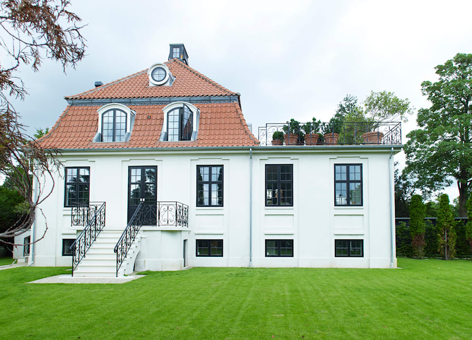 Drummonds Case Study: European Retreat, Denmark Drummonds Bathrooms Scandinavian style bathroom