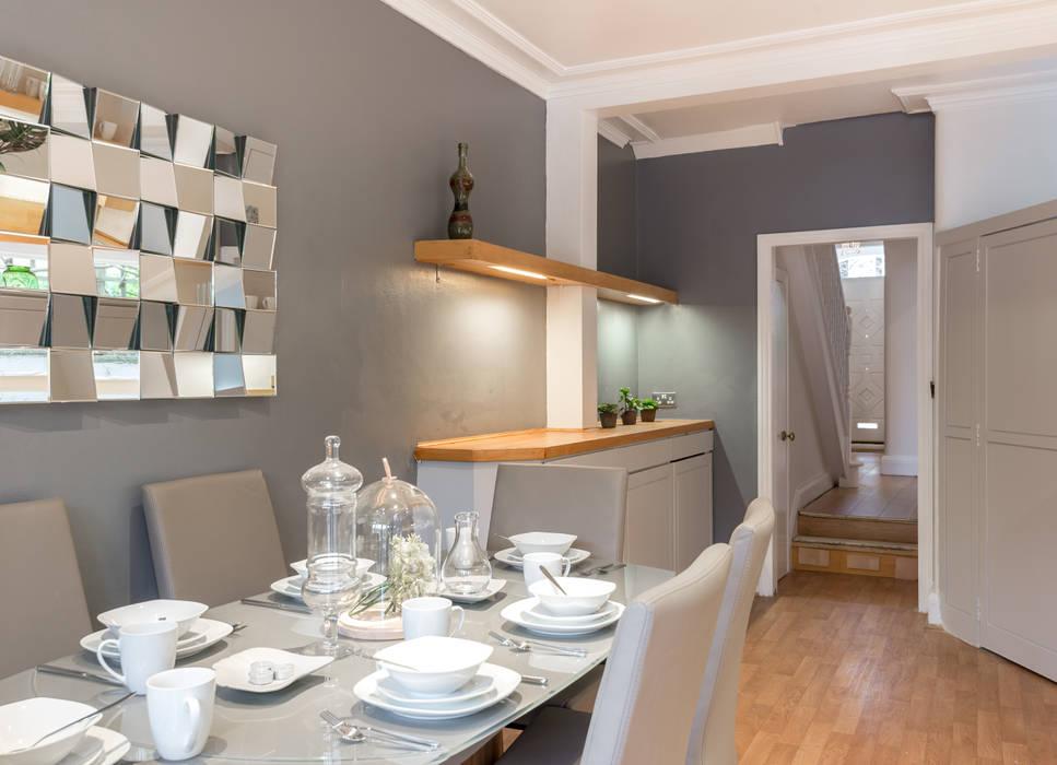 Dining room 2 Comedores de estilo minimalista de In:Style Direct Minimalista