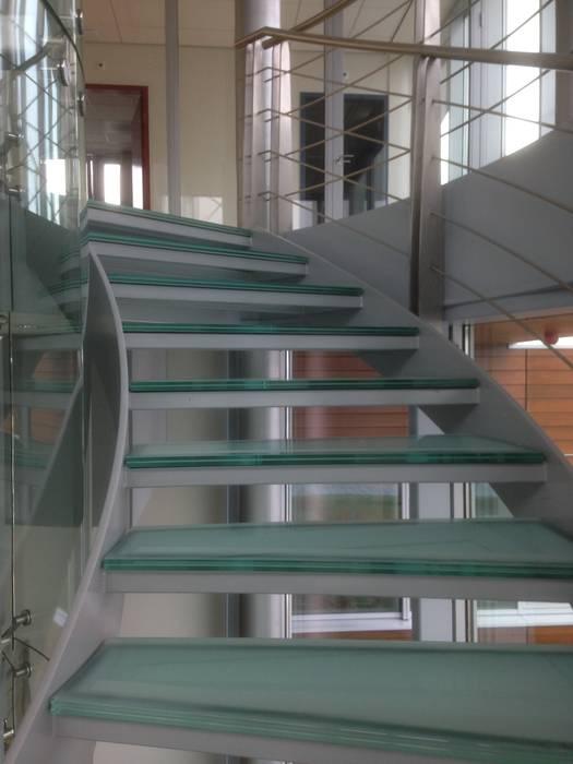 Eurocontrol te Maastricht:  Kantoorgebouwen door Snep Exclusieve Metalen BV, Modern