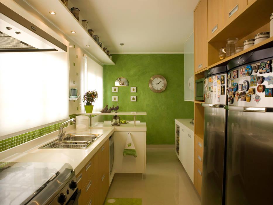 Cozinha: Cozinhas  por Flávia Brandão - arquitetura, interiores e obras