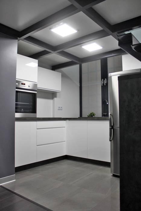 Single loft -- Lofty u Scheiblera, Łódź -- weloftdesign.com WE LOFT DESIGN Nowoczesna kuchnia