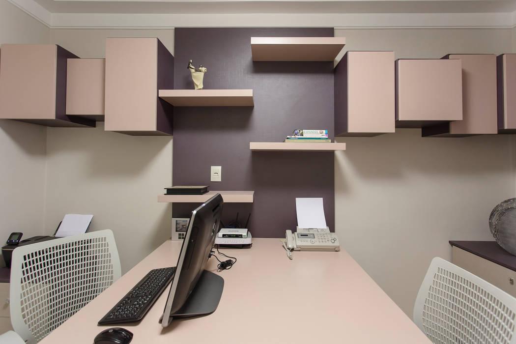 Home Office Escritórios modernos por Helen Granzote Arquitetura e Interiores Moderno