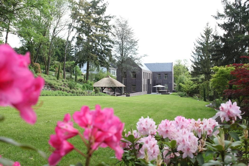 Neugebauer Architekten BDA Classic style garden