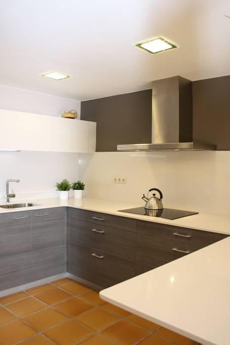 Reforma parcial casa rustica Cocinas de estilo rústico de ROIMO INTEGRAL GRUP Rústico