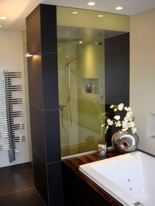 Begehbare duschen: badezimmer von bauarena   homify