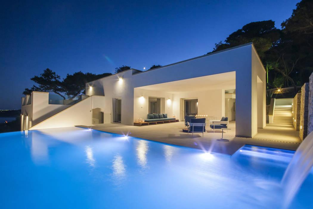 Villa C+N Piscina moderna di Sebastiano Canzano Architects Moderno