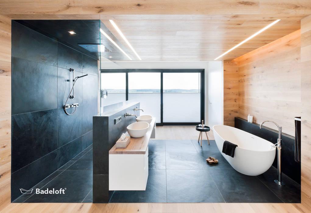 por Badeloft GmbH - Hersteller von Badewannen und Waschbecken in Berlin, Moderno