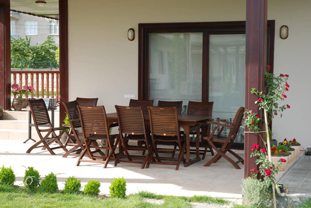 Bahçe Tulya Evleri Modern Balkon, Veranda & Teras