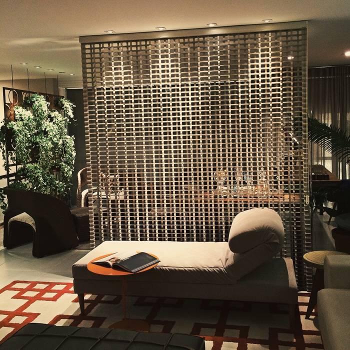 Salon de style  par Fabio Pantaleão Arquitetura+Interiores,