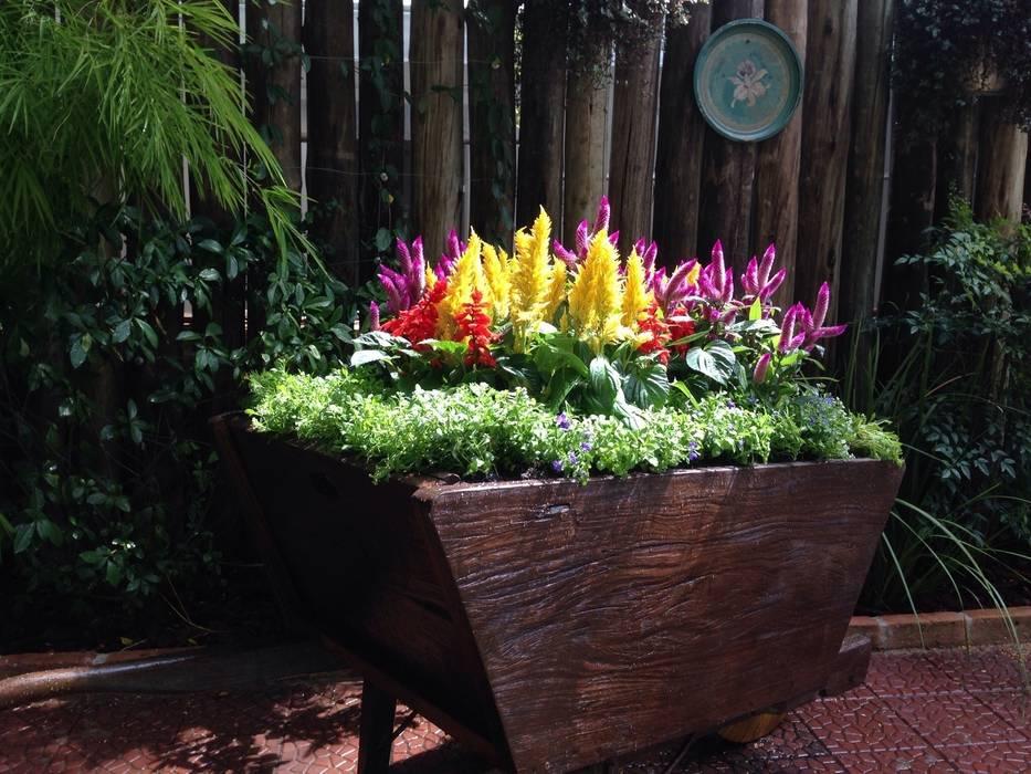 Сад в рустикальном стиле от Casa Nova Paisagismo Рустикальный