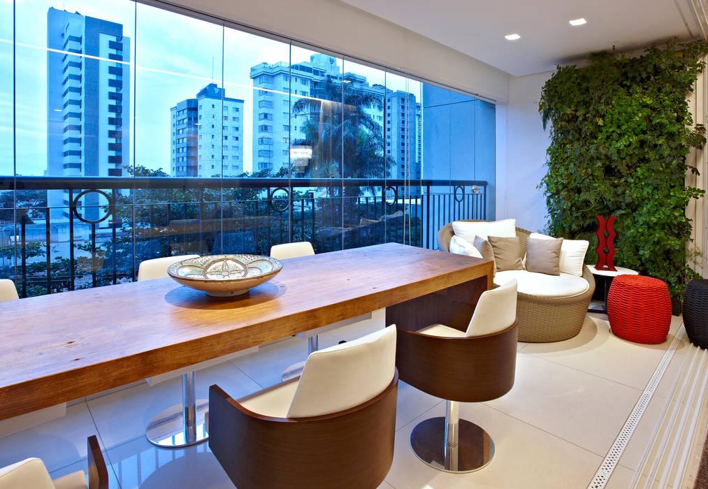 Balcones y terrazas de estilo moderno de Cícera Gontijo Moderno