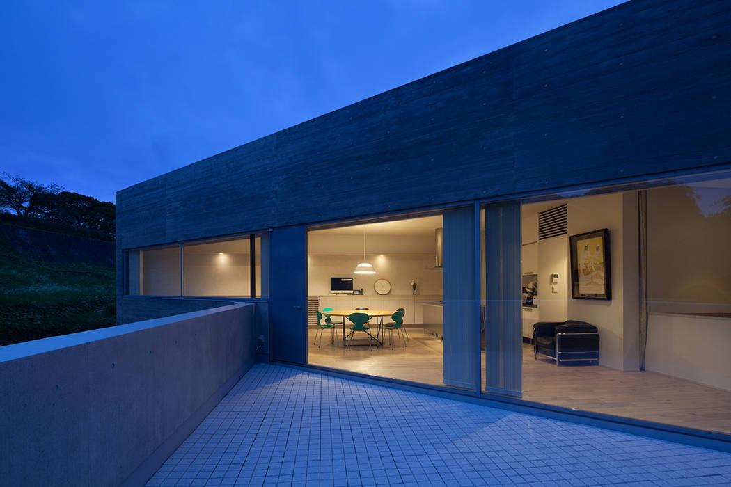 京町の家 モダンデザインの テラス の TASS建築研究所 モダン