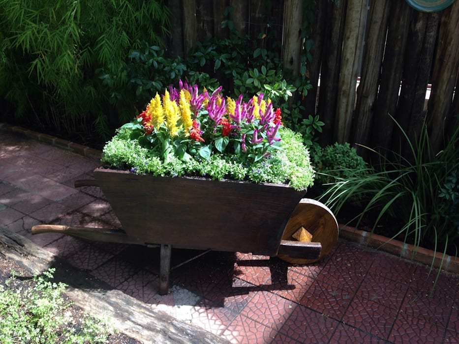 Projeto para um carrinho de flores jardins por casa nova for Jardines pequenos para frentes de casas