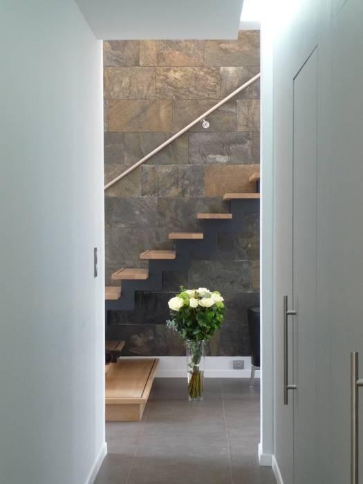jeu de perspective: Couloir et hall d'entrée de style  par Emilie Bigorne, architecte d'intérieur CFAI