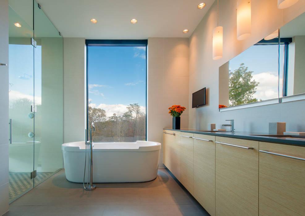 4 Springs Lane Banheiros modernos por Robert Gurney Architect Moderno