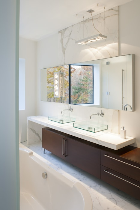 Difficult Run Residence Modern style bathrooms by Robert Gurney Architect Modern