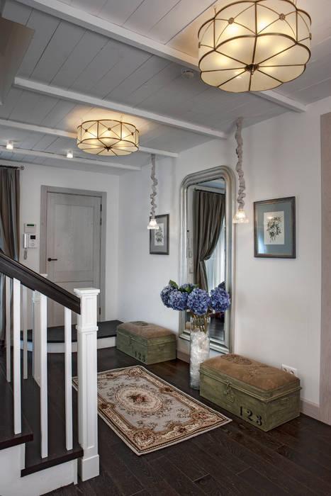 Дом в стиле прованс: Коридор и прихожая в . Автор – Мария Бекетова  Света Лапина, Кантри
