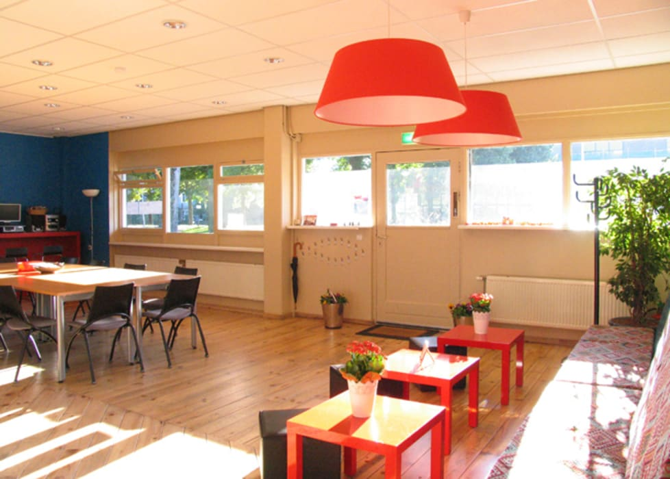 Multifunctionele vergader-, workshop-, eet- en speelkamer Eclectische evenementenlocaties van Aileen Martinia interior design - Amsterdam Eclectisch Hout Hout