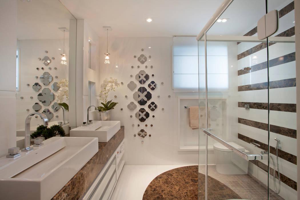 Moderne Badezimmer von Designer de Interiores e Paisagista Iara Kílaris Modern
