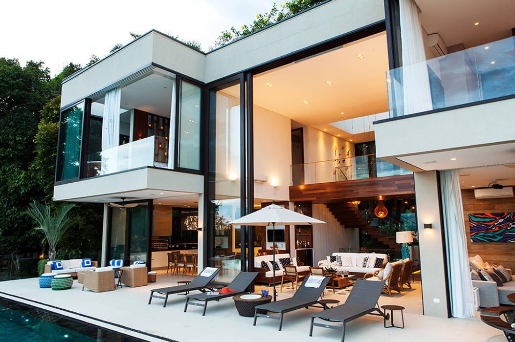 Terrazas de estilo  por Infinity Spaces, Moderno