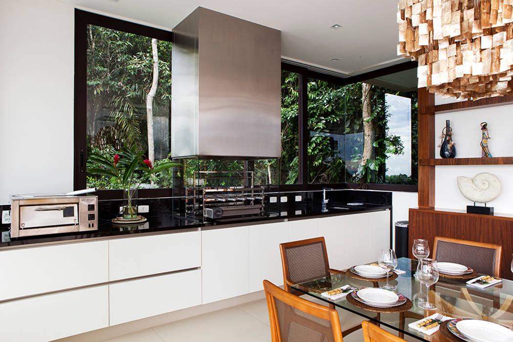Cocinas de estilo  por Infinity Spaces,