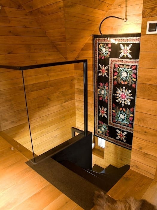klatka schodowa Wiejski korytarz, przedpokój i schody od CUBICPROJEKT Wiejski