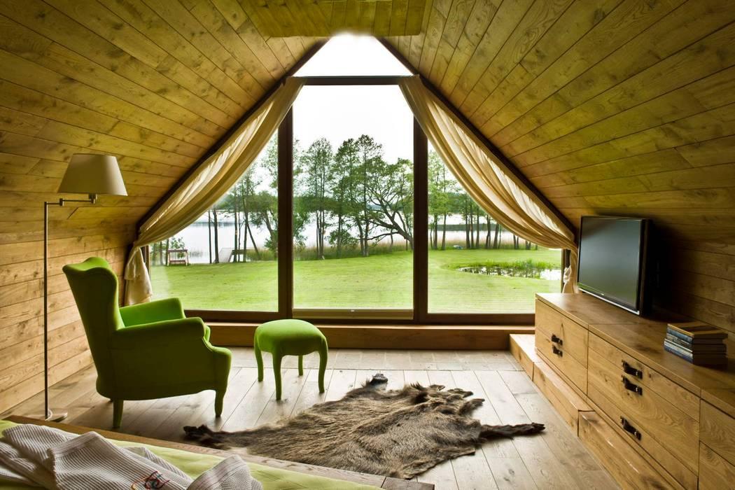 widok z okna sypialni na jezioro: styl , w kategorii Sypialnia zaprojektowany przez CUBICPROJEKT,