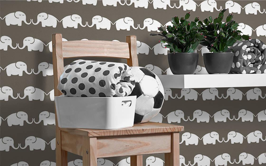 Tapete Elephant, for him (graubraun):  Kinderzimmer von Designstudio DecorPlay